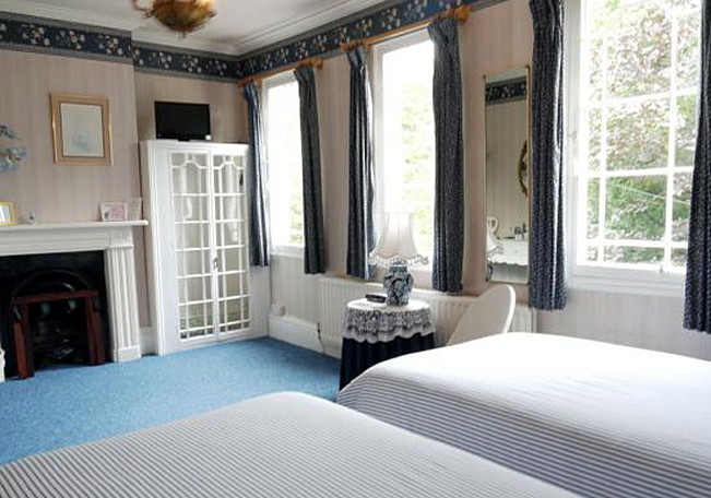 Typical Twin Bedroom at Victoria Spa Lodge - Stratford-upon-Avon