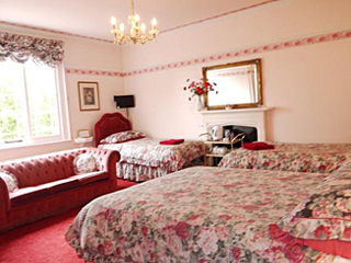 Typical Family Bedroom at Victoria Spa Lodge - Stratford-upon-Avon